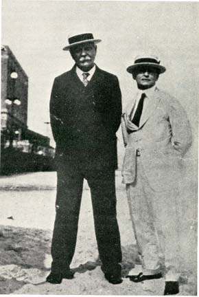 Conan Doyle and Houdini